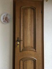 Diverse Türen mit Kasetteneinsätzen in