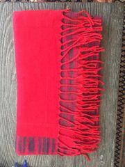 Kuschelige Schals und warme weiche