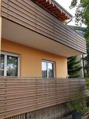 Balkonverkleidung aus Werzalit braun