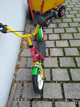 Kinder Roller mit Luft-Reifen: Kleinanzeigen aus Erlangen Zentrum - Rubrik Skaten, Rollen
