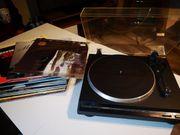 Onkyo Plattenspieler mit 39 LPs