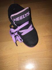 Schuhe mit Rollen Neu