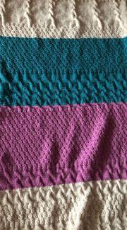 Handarbeit - Stricke oder häkele Decken