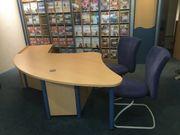 2 große Büroschreibtische Esche Nachbildung