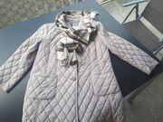 Damenjacke mit burberry Schal