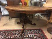 Schöner alter Tisch