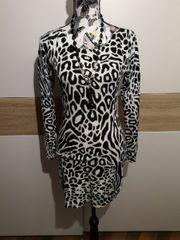 Kleid im Leoparden-Muster