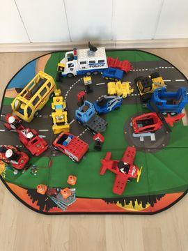 Spielzeug: Lego, Playmobil - Lego-Dublo Fahrzeuge FIguren und Bausteine