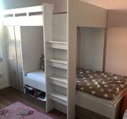 Stauraumwunder-Hochbett mit Schrank Regalen und