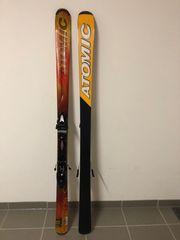 Atomic Ski mit Tyrolia Bindung