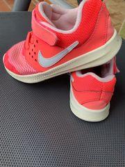 Nike Kinderschuhen Gr 27