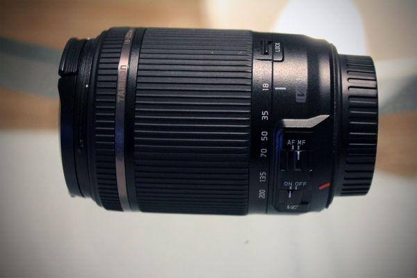 Tamron Objektiv 18-200mm Canon EF-Bajonett
