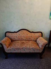 Wunderschönes altes Sofa