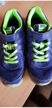 Nike Kinderschuhe Gr 35