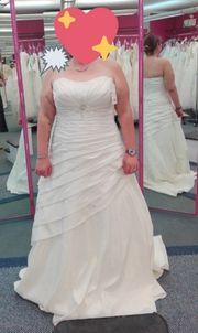 Brautkleid in Ivory Größe 48