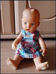 Alte antike Puppe -
