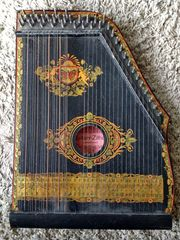 Zither-Guitarr