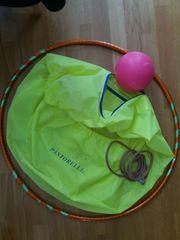 Rhythmische Gymnastik - Geräte wie Ball