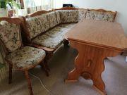 Wohn und Esszimmermöbel zu verschenken