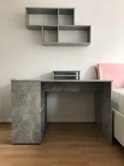 Holz Schreibtisch mit Wandregal