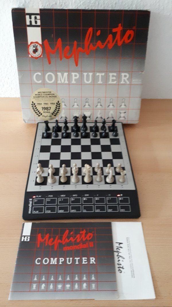 Schachcomputer Mephisto mondial ll von Hegener+ Glaser