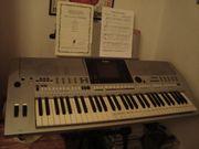 Verkaufe Keyboard und Bass Bocksen