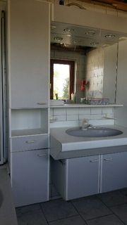 Badezimmermöbel mit Waschbecken