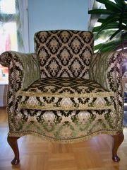 wunderschöner kleiner alter Sessel