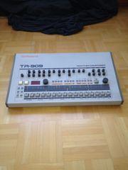 Roland TR 909 Der Klassiker