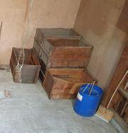 Holzkisten zu verschenken