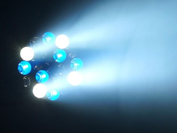 Verleih LED TMH19 Moving-Head Beam