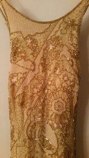 Goldfarbenes Abendkleid