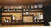 Regale für die Bar
