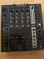 Pioneer DJM 750,