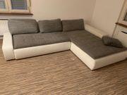 Sofa Stoff grau mit weißen