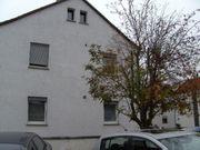 1 Dopelhaushälfte ohne Renovierungsstau zu
