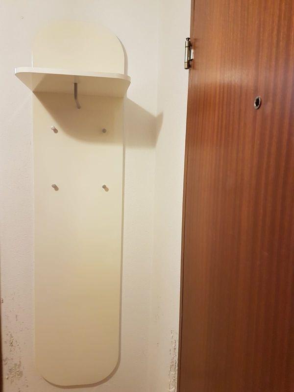 Hochglanzgarderobe In Weiss Mit Hutablage In Stuttgart Garderobe