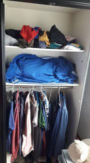 Kleiderschrank zu verschenken