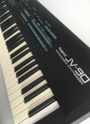 Roland JV-90 Synthesizer