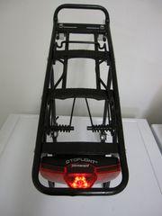 Alu Gepäckträger mit Lichtbeleuchtung für