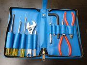 Kleine Werkzeugtasche mit Werkzeug