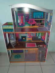 Puppenhaus Barby zu verkaufen