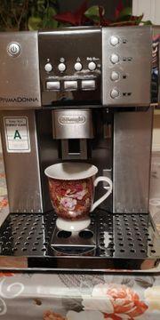Kaffeevollautomat DeLonghi PrimaDonna ESAM 6600