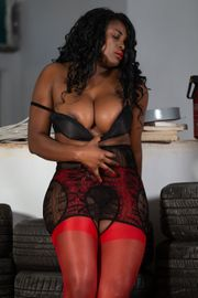 Michelle sexy Bombe