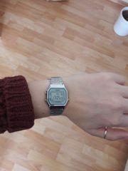 Casio Armbanduhr digital retro