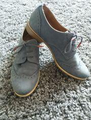 Schicker blauer Tamaris Schuh Größe