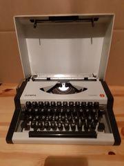 Schreibmaschine Olympia Traveller