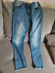 Jeans in der Größe 146