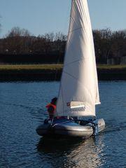 Wiking Schlauchboot mit Besegelung Segelboot