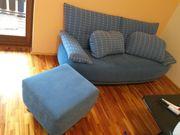 schönes blaues Sofa